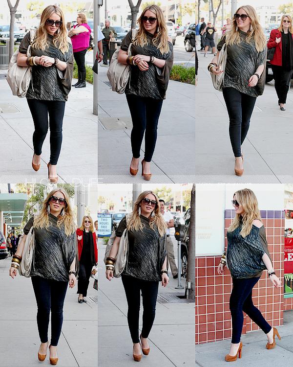 ..____.29/12/11._La G photos ._Hil et Mike faisant du shopping à Los Angeles. .___Hil est superbe! J'adore Top! J'adore les voir tout les deux!    .