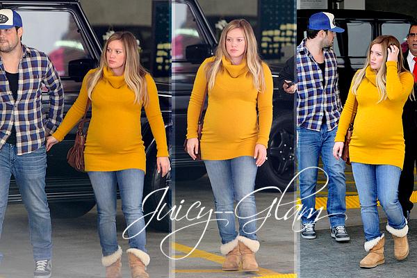 ...____________19/02/12.___La G photos .__Hilary et Mike en amoureux allant au cinéma..__ils sont trop mignon!!♥  .