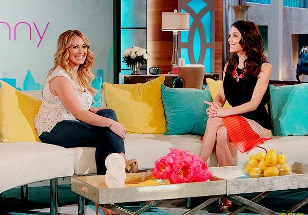 """Hilary dans l'émission """"Bethenny"""" parlant de sa grossesse"""