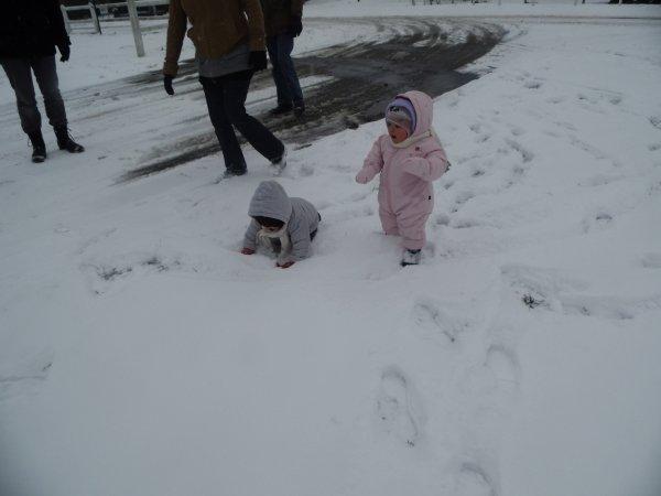 premiére neige pour MERRY-LOUE et KENZA