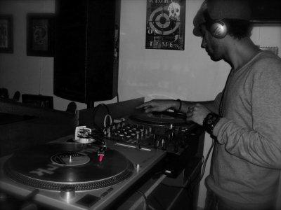 DJ Alpach aux platines!!!