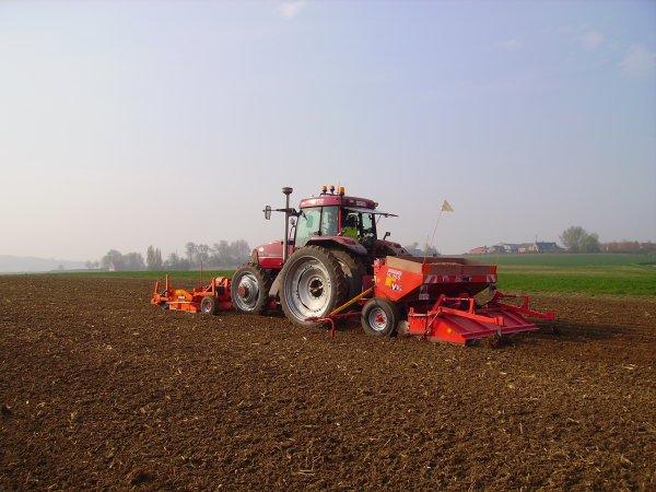 Plantation de pomme de terre avec case mx 170 magnum 7240 t lesco new holland belgi - Periode plantation pomme de terre ...