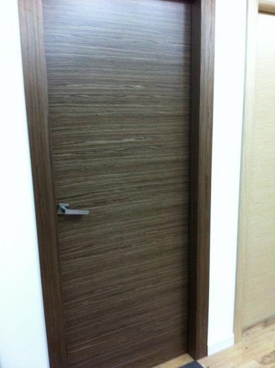Portes int rieur et parquet chambres la construction de - Couleur de porte interieur ...