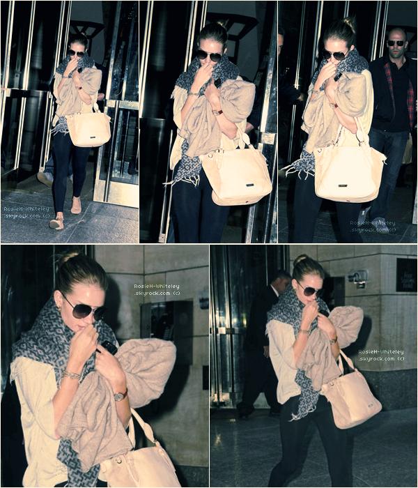 ARTICLE 04 │ ---  29.06.2011 --- Traînant dans les rues de New York City avec son copain Jason Statham ▬▬▬▬▬▬▬▬▬▬▬▬▬▬▬▬▬▬▬▬▬▬▬▬▬▬▬▬▬▬▬▬▬▬▬▬▬▬▬▬▬▬▬▬▬▬▬▬▬▬▬▬▬▬▬▬▬▬▬▬▬▬▬▬▬▬