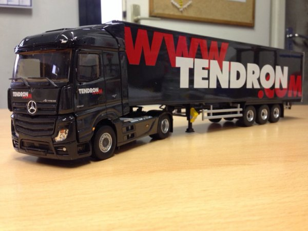 Mercedes actros MP4 streamspace semi transports TENDRON
