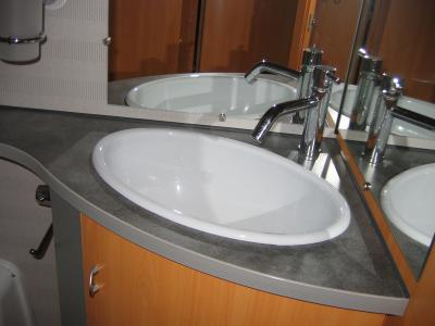 salle de bain lavabo camping car pilote integral g692. Black Bedroom Furniture Sets. Home Design Ideas