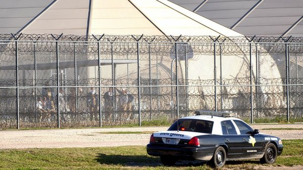Thousands involved in Texas prison takeover to be moved from 'uninhabitable' facility