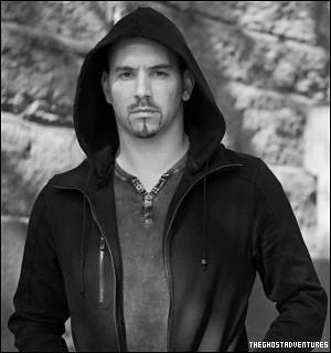 . • BIOGRAPHIE : ________________Nick Groff, co-investigateur et caméraman de Ghost Adventures ! .