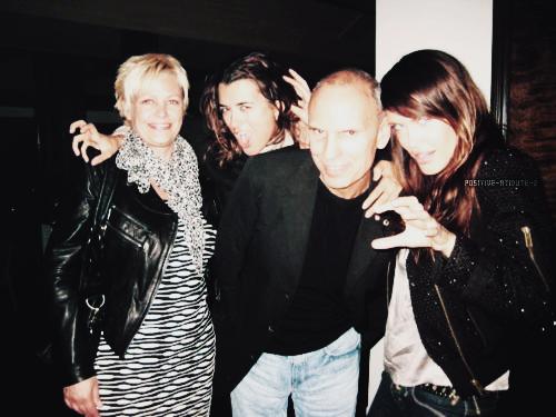Photos personnelle de Cote De Pablo avec des amis (datant de cette année)
