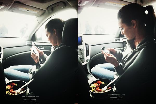 -20.09.11- Daniela Ruah & son co-star Eric Chris Olsen ont tweeté pandant la diffusion du 3x01 de NCISLA