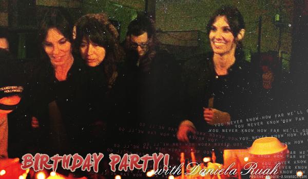 -02.12.11- A l'occasion de l'anniversaire de Daniela le cast et l'équipe du tournage lui on fait une petite surprise