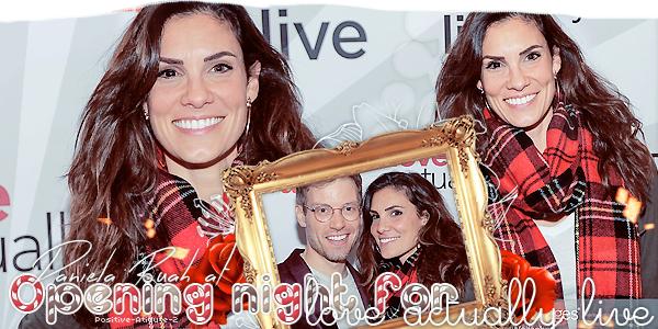 """04/12/19 - Daniela Ruah été présente à la soirée d'ouverture pour """"Love Actually Live"""" où son co-star y figure."""