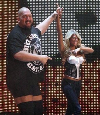 Big Show and kelly kelly vs Straight Edge Society