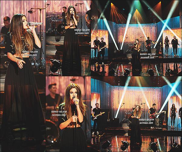 24/05/13 : Selena a performé sa chanson « Come And Get It » dans l'émission The Graham Norton Show Infos à savoir : Cette interprétation de son single a été diffusé hier soir sur la chaine anglaise BBC 1, de plus ce n'était pas en live