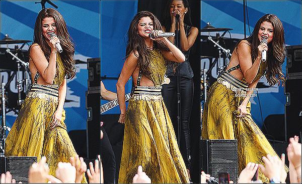 30/06/13 : Selena a performé trois titres à l'évenement « AMP Radio Bash »  qui était organisé dans  Boston  Selena a performé avec succès Slow Down avec Come & Get It mais aussi Love You Like A Love Song avec une foule spectaculaire