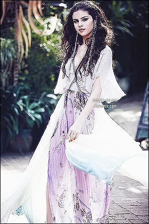→ Découvrez toutes les musiques qui vont êtres dans l'album « STARS DANCE » de Selena G. L'album tant attendu pour les Selenators sort d'ici le 23 juillet prochain suivi de la sortit du clip de Slow Dow le 24 juillet