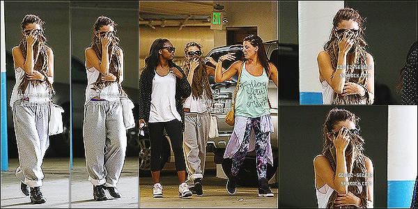 01/07/13 : Selena a été vue arrivant au Staples Center  pour le spectacle de la chanteuse - Beyonce Knowles  Plus tôt dans la journée, Selena a été vue arrivant à un studio de dance en se cachant avec son écharpe toujours dans Los Angeles