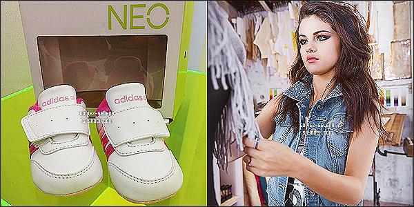 09/07/13 : Selena a été vue arrivant au Adidas Neo Store ce matin en Allemagne, en compagnie de son vigile  Selena a posté une photo dans le but d'annoncer que l'album Stars Dance sera disponible le 19 juillet en Allemagne +les chaussures