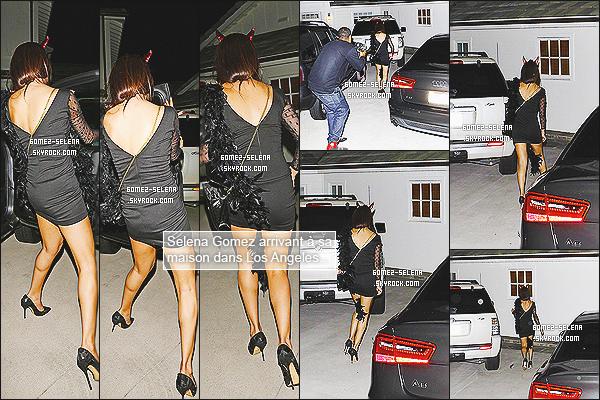 20/07/13 : Selena a été vue se rendant à sa pré-anniversaire party avec Lily Collins dans -Los Angeles !  Selena était également à la fête d'anniversaire de la belle Julianne Hough, il y a très peu de photos mais bon on fait avec ce qu'on a.