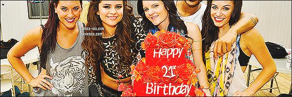26/07/13 : Selena était présente au « Good Morning America», elle y a donné une interview et y a performé!  Lors de ces performances, la belle Selena nous a montré de toute nouvelles chorégraphies qui feront partie de sa futur tournée...
