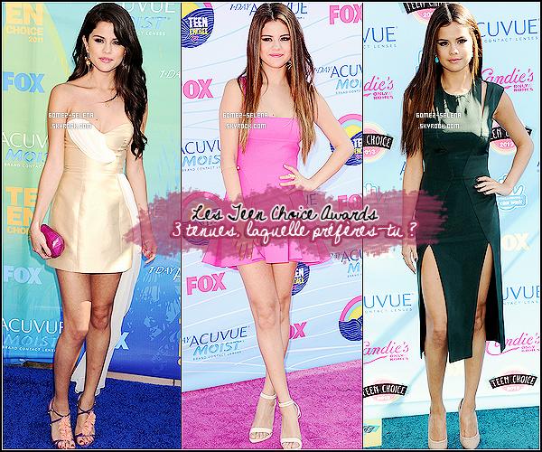 ' TEEN CHOICE AWARDS''__Trois robes portées par Selena G. - mais laquelle préfères-tu ? ______________2011_______________2012_______________2013______________ '