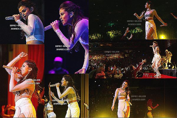 18/10/13 : Selena donnait un concert du « Stars Dance Tour » cette fois à Philadelphie - en Pennsylvanie   Avant le concert, Selena G. a rencontré une petite fille du nom de Bailey qui se bat contre la mucoviscidose, toujours en Philadelphie