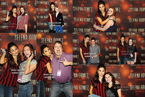 20/10/13 : Continuant sa tournée du Stars Dance Tour, Selena donnait un concert à Newark au New Jersey.   De plus, vous pouvez découvrir le Meet&Greet de Selena G. en  Philadelphie, concert qui avait eu lieu quelques jours avant celui-ci !