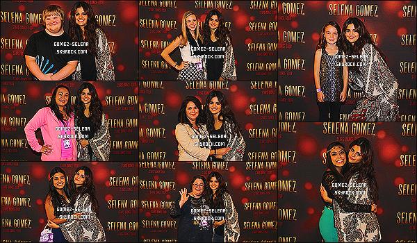 27/10/13 : Selena Gomez se trouvait à Charlotte en Caroline du Sud pour donner un concert et Meet&Greet.  Comme toujours, après le concert Selena a posté une multitudes de photos d'elle avec ses fans dehors - via son compte  Instagram !