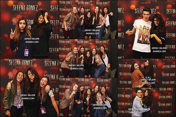 20/10/13 : La belle Selena Gomez posait avec ses fans lors d'un Meet&Greet à Newark dans le New Jersey.  Les photos de la rencontre avec ses fans venant d'apparaître, vous pouvez découvrir de superbes clichés de Selena avec ses fans !