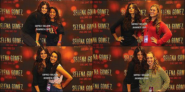 26/10/13 : Découvrez le Meet&Greet ci-dessous du concert de Selena Gomez à Atlanta - en Géorgie (USA) !  Une fois de plus les photos du concert à Antlanta sont de mauvaises qualités alors il n'y a que le Meet&Greet de disponible sur G-S