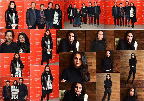 - 29/01/16 - Selena Gomez était à la projection de « The Fundamentals of Caring » au Sundance Film Festival !La belle actrice SG a aussi participé à un photo-call avec ses co-stars du film, et pareillement pour le tapis ''rouge'' du festival à Park City, en Utah... -