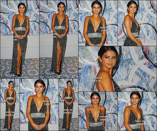 19/07/14 : Dans la soirée Sel était au « Gala Dinner Awards » pour le Global Ischia Festival dans la même ville.  Pendant cet événement Selena reçu le prix de « Ischia Global Kids Icons » pour sa popularité auprès du public jeune. C'est un gros top !