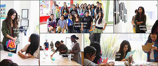 19/04/14 : Selly étaient avec des enfant pour « Heart of Los Angeles » pour faire des décoration pour Pâques.    Étant très impliquée, Selena a encore démontré sa très grande générosité en passant tout un après-midi avec des enfants de Los Angeles.