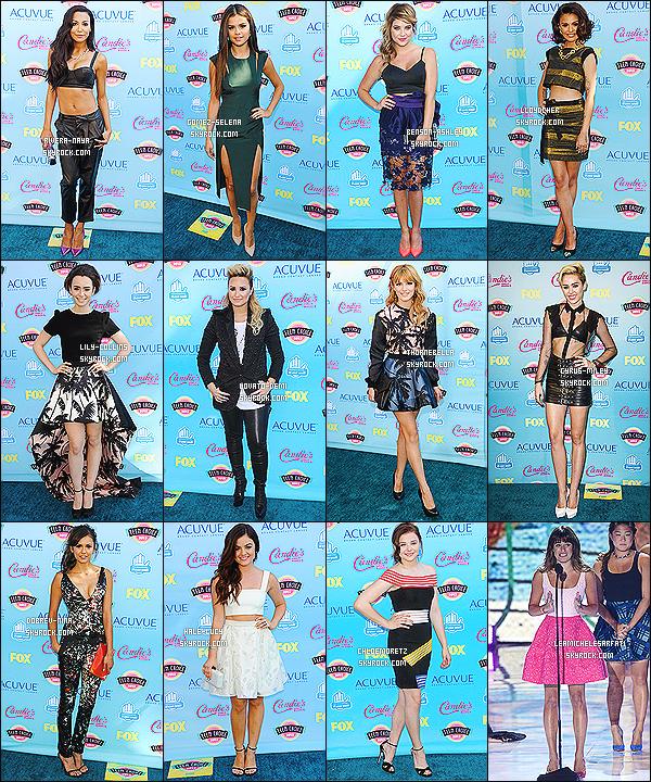 * *_● ● ● ' ._COLLABORATION // TEEN CHOICE AWARDS -       Les Teen Choice Awards 2014 arrivant à grand pas, profites-en pour voter pour ta tenue préféré de l'année dernière !  *
