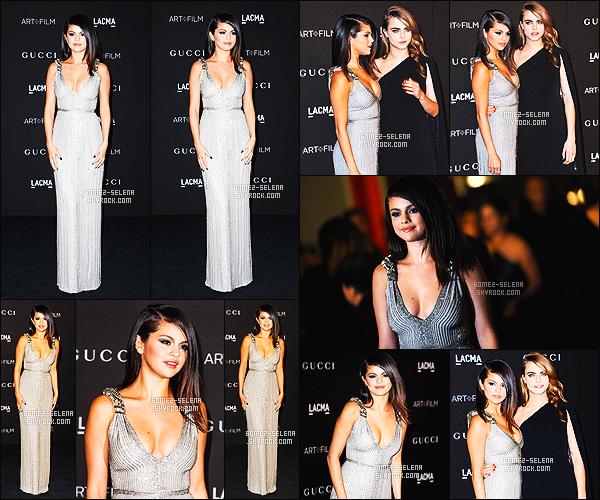01/11/14 : Sel' Gomez était présente à la cérémonie   LACMA Art/Film Gala, qui s'est déroulée à Los Angeles. Je ne vous cache pas que je suis très admirative là! La robe met vraiment Selena en valeur de plus sa coiffure lui va super bien. Élégante & chic !