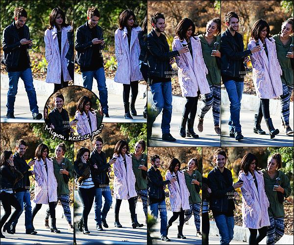 - 24/01/15 : Selena Gomez quittait le « Atlanta Botanical Garden » en compagnie de Zedd, et de deux amies. Moi qui pensais n'avoir que des nouveautés sur le tournage du film, je suis agréablement contente. La tenue est pas mal, quoique simple. Des avis? -