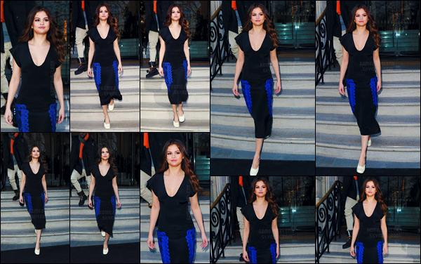 - 11/03/16 - Selena Gomez quittait son hôtel de résidence « The Langham » toujours dans la ville de Londres ![/s#00000ize]Encore un changement de tenue pour SG, qui a opté pour une simple robe noire avec des accents de bleus. Je n'aime pas le choix de chaussures ... -