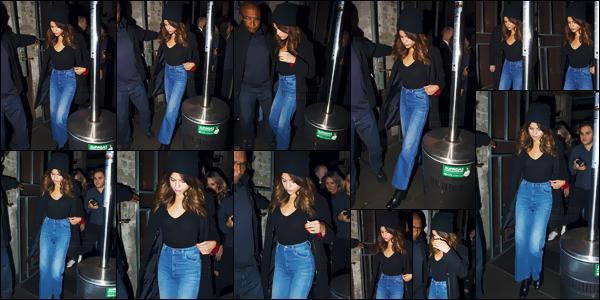 - 08/08/16 - En soirée, la belle Selena Gomez quittait un restaurant chinois dans la ville de Sydney, en Australie ![/s#00000ize]Gomez n'est définitivement pas une adepte des soutien-gorges ... Néanmoins, ce style assez casual et décontracté n'est pas mal du tout. Des avis ? -