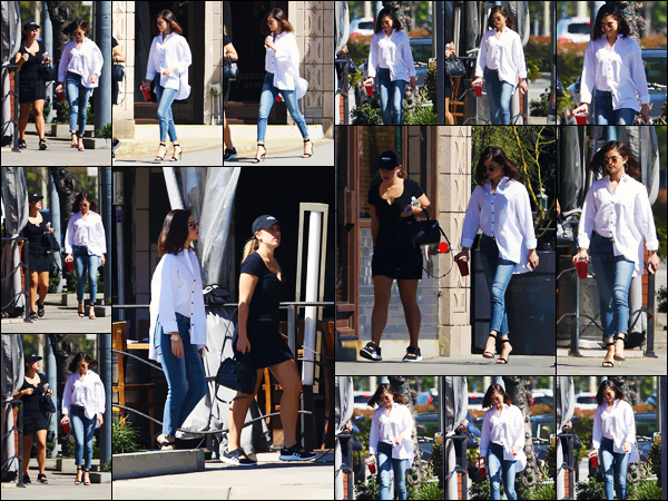 - ''08.03.17'-''─''Selena Gomez quittait un juice bar avec sa bonne amie Marie Mingus, dans la ville de Los Angeles ![/s#00000ize]Une tenue décontractée est de mise, et comme on les aime ! D'ailleurs cette nouvelle longueur de cheveux va à ravir à notre belle chanteuse brune. Top. -