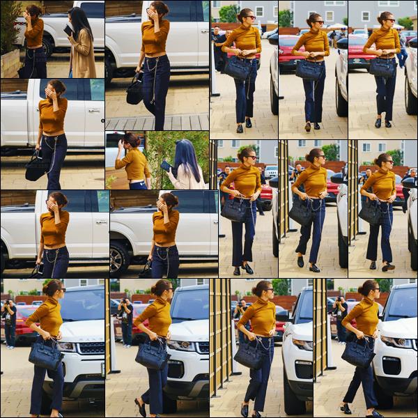 - ''22.03.17'-''─''Selena Gomez arrivait au club très prisé « SoHo House » avec Ashley Cook dans la ville de Malibu ![/s#00000ize]Les amies ont ensuite été photographiées en quittant le club, l'une au bras de l'autre. Des photos du tournage de « 13 Reasons Why » sont disponibles... -