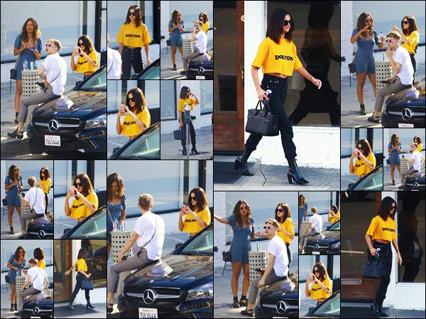 - ''09.04.17'-''─''Selena Gomez quittait le tatoueur « Shamrock Social Club » avec Tommy et Alisha à Hollywood ![/s#00000ize]Tommy Dorfman et Alisha Boe, sont tous les deux acteurs dans la série 13 Reasons Why - c'est un grand plaisir de voir Selena Gomez proche du cast. -