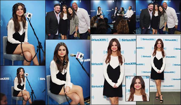 - ''05.06.17'-''─''Selly Gomez arrivait devant les locaux de la radio « SiriusXM Hits 1 » dans la ville de New York[/s#00000ize]Selena était en ondes à l'émission de radio nommé ''The Morning Mash Up Show'' et a pris la pose avec les animateurs de la radio. Un joli top pour Selly ! -