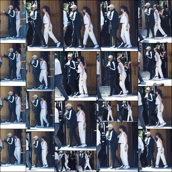 - '-23/07/17-'''✈''Selena Gomez quittait le « 10 Speed Coffee » avec son copain Abel Tesfaye, dans Los Angeles ! Ayant fraîchement atteint l'âge de ses 25 ans, notre belle chanteuse nous offre encore une fois un look total white, lors de cette petite sortie ! Des avis ?-