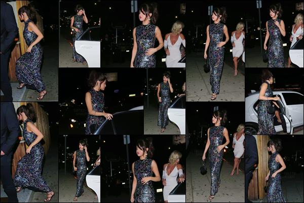 - '-24/07/17-'''✈''Selena Gomez arrivait au restaurant « The Nice Guy » tard le soir, dans la ville de Los Angeles. De plus, la belle a été aperçue quittant l'hôtel le Sunset Tower avec son petit ami. Une tenue très élégante pour Selena ce soir-là ... Qu'en pensez vous ?-