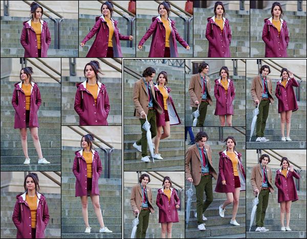 - '-04/10/17-''''✈''Selena Gomez et sa co-star Timothée Chalamet, tournaient une scène du film, à New York City. Le tournage du prochain film de Woody Allen se poursuit et il est à supposer que S. et Timothée seront souvent ensemble à l'écran pour ce long-métrage.-