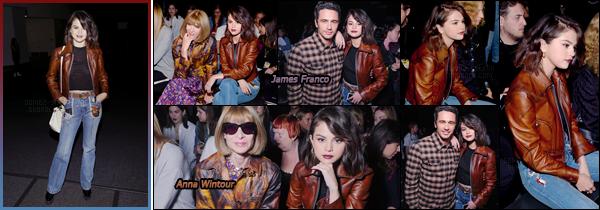 - '-12/09/17-'''✈''Selena Gomez était présente lors du défilé de « Coach » à la Fashion-Week 2018 de New York. Étant l'un des visage de la luxueuse marque, la brunette a été invitées dans les coulisses du défilé pour poser avec plusieurs personnes influentes... Top.-