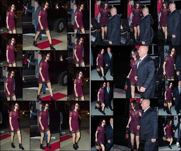 - '-12/09/17-'''✈''Selena Gomez se rendait au restaurant de seadfood « Park Side Fish » dans le coin du Queens. Elle a bien évidemment été aperçue alors qu'elle quittait son logis à New York puis plus tard, en y retournant après avoir mangé. Gros top pour ma part !-