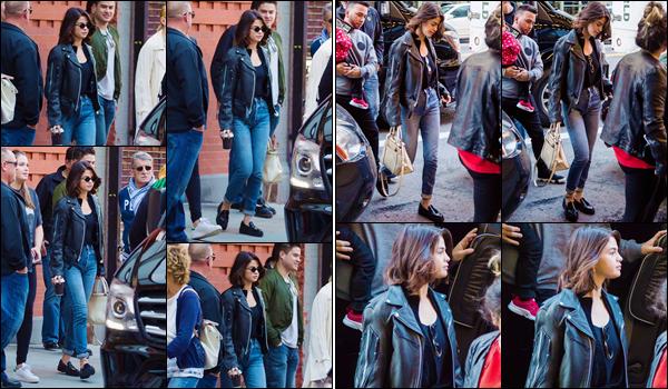 - '-01/10/17-'''✈''Selena Gomez se rendait à la célèbre « Hillsong Church » et qui se trouve dans New York City. Fervente croyante, à chacun de ses passage à New York, Sel en profite pour passer au moins une fois à l'église d'Hillsong. Je lui accorde encore un top !-