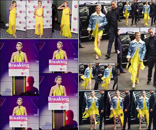 '- '- 20/11/17 -'''◊''Selena Gomez était présente lors du « Lupus Research Alliance Gala » qui se tient à New York. Selena a quitté Los Angeles pour assister à ce gala de charité pour le lupus, une cause qui la touche directement ! Côté tenue, je lui accorde un gros bof.-
