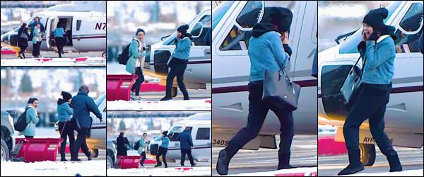 '- '-▬-07/01/18 -' : Selena Gomez a été aperçue dans la ville de New York, avec des amies, tel que Ashley Cook ! Après avoir posé avec des fans dans la ville et s'être promenée dans plusieurs coin de la Grosse Pomme, Selena G. s'est dirigée vers un hélicoptère privé.-